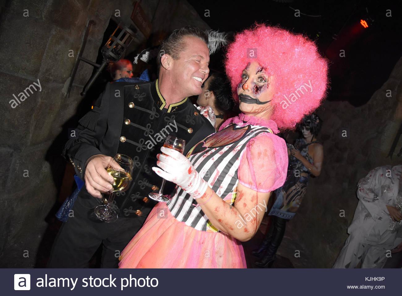 Halloween Party hosted by Natascha Ochsenknecht at Berlin Dungeon.  Featuring: Marcus von Anhalt, Natascha Ochsenknecht - Stock Image