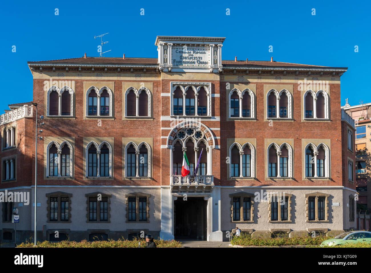Italian opera house stock photos italian opera house for Casa di riposo milano
