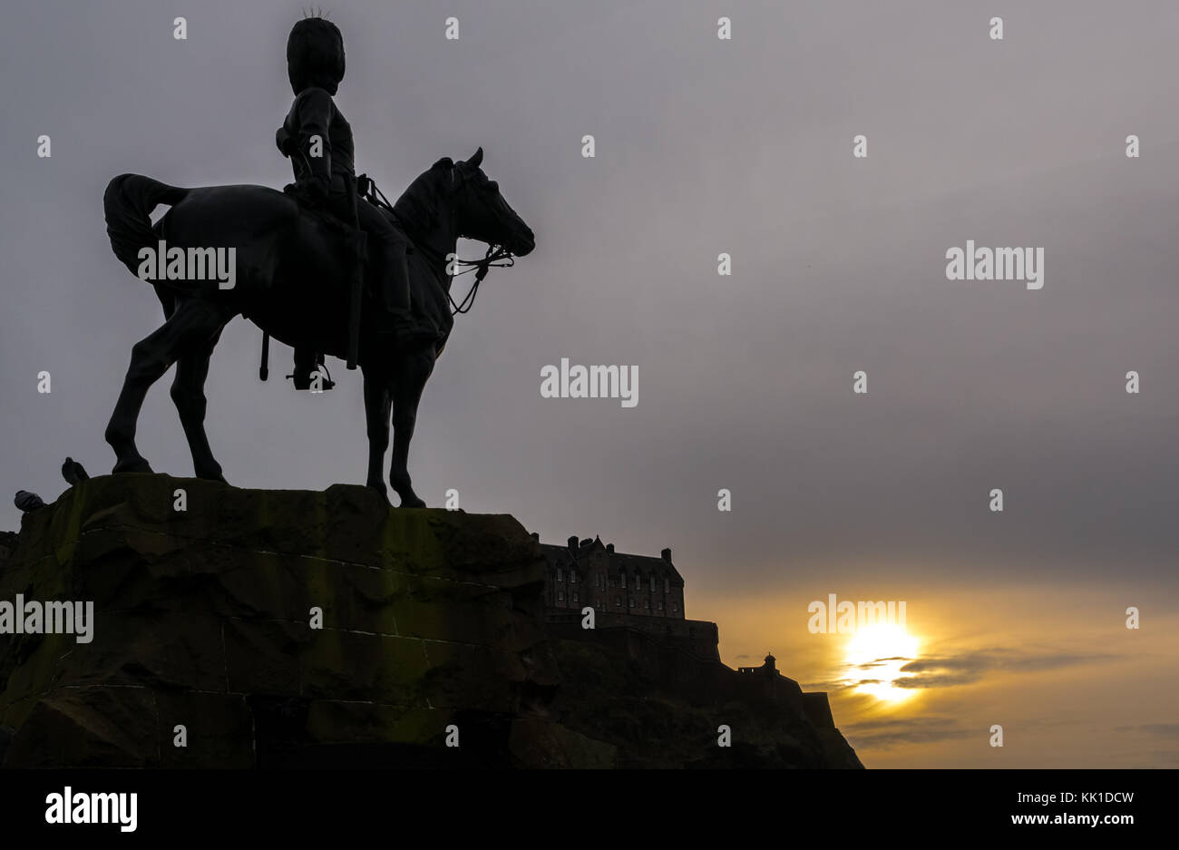 silhouette-royal-scots-greys-monument-so