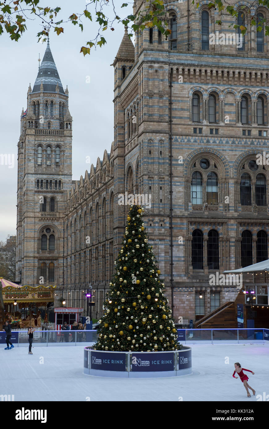 Natural History Museum, London, UK. 29 November, 2017. Young skater braves a cold morning to practice at the festive - Stock Image
