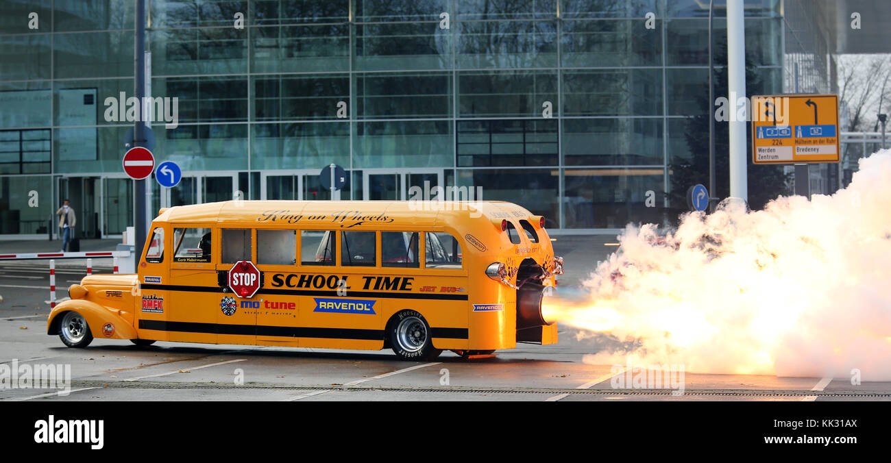 Essen, Germany. 29th Nov, 2017. The 'School Jet Bus' is set alight by the engineer Gerd Habermann at the - Stock Image