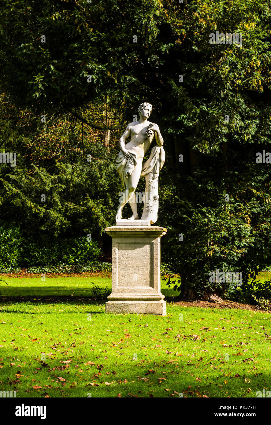 Statue in the grounds at Waddesdon Manor, Buckinghamshire, UK - Stock Image