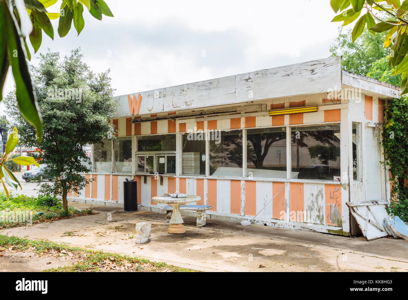 Closed and abandoned small business, donut shop, in Fort Walton Beach Florida, USA. - Stock Image