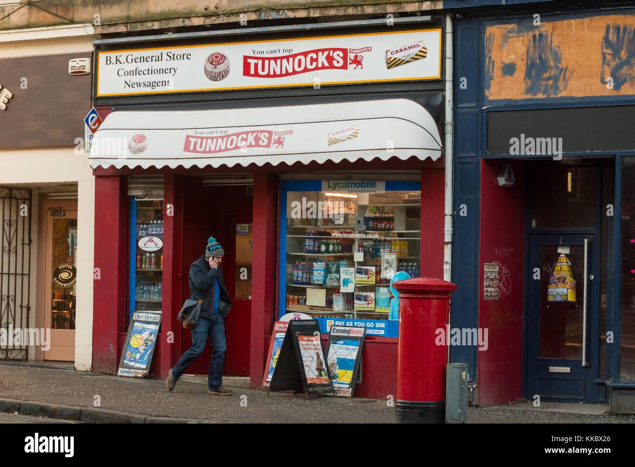Corner Shop General Store Newsagents on Great Western Road, Glasgow, Scotland, UK - Stock Image