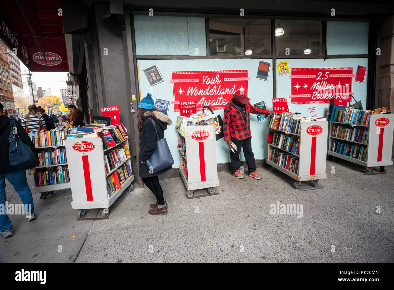 Shoppers browse the Strand bookstore in New York looking for bargains on Saturday, November 25, 2017 over the Black - Stock Image