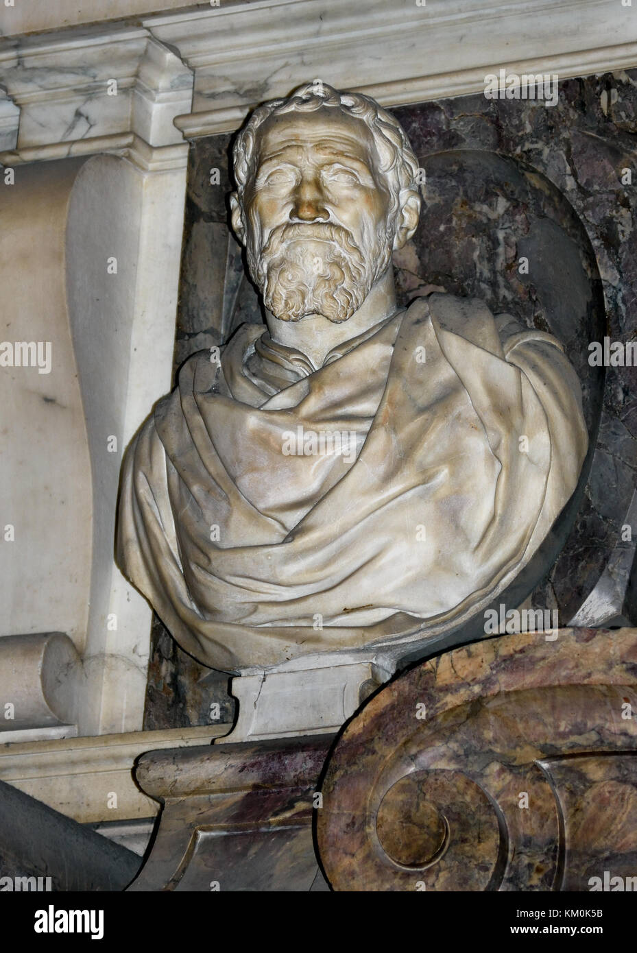 Bust of Michelangelo - Michelangelo's tomb Santa Croce ( The Basilica di Santa Croce is the principal Franciscan - Stock Image