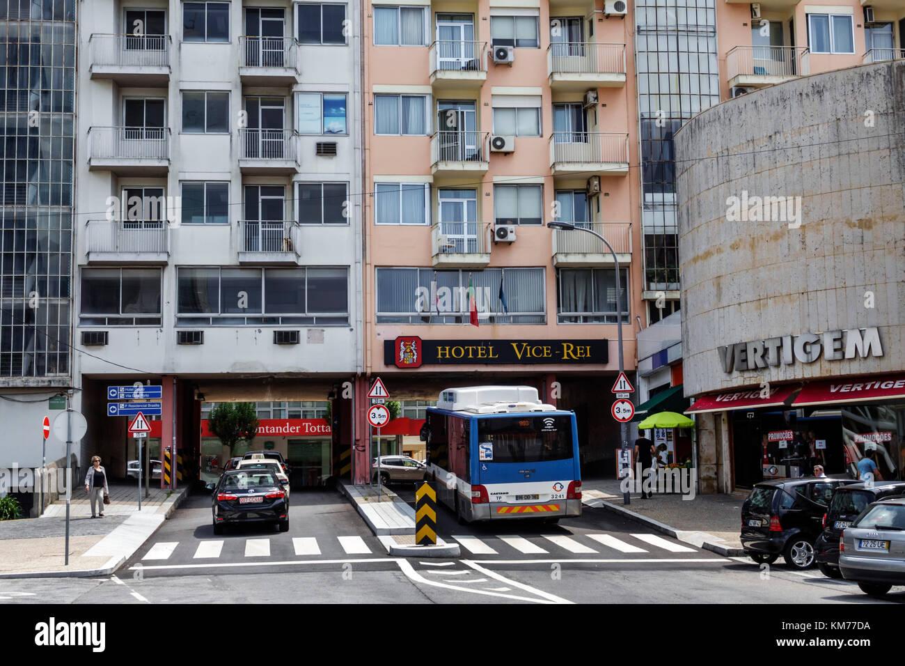 Porto Portugal Boavista Largo de Ferreira Lapa building underpass tunnel traffic bus car Hotel VIce-Rei residential - Stock Image