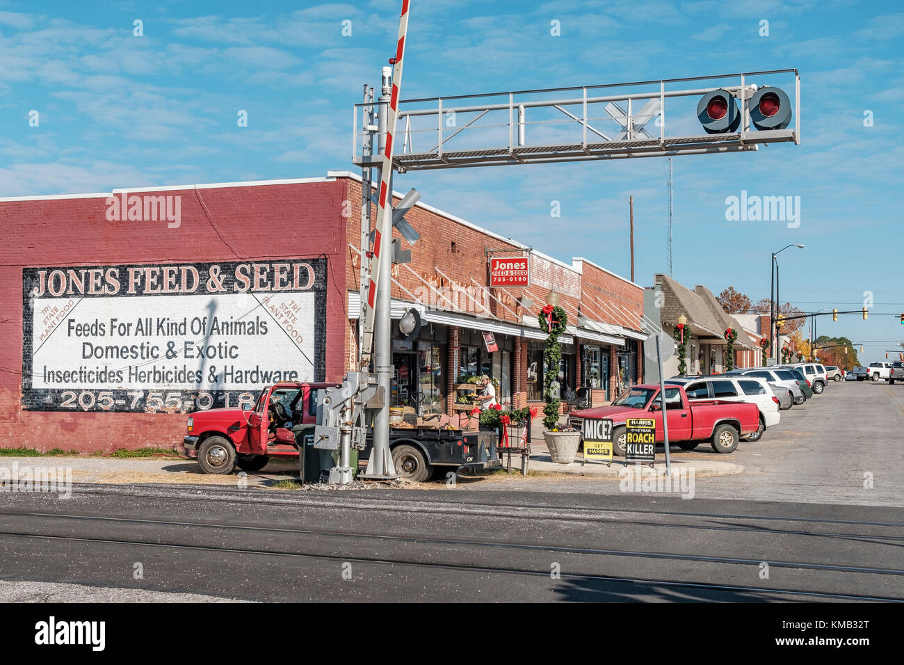 Small rural feed and seed store in Clanton Alabama, USA. - Stock Image