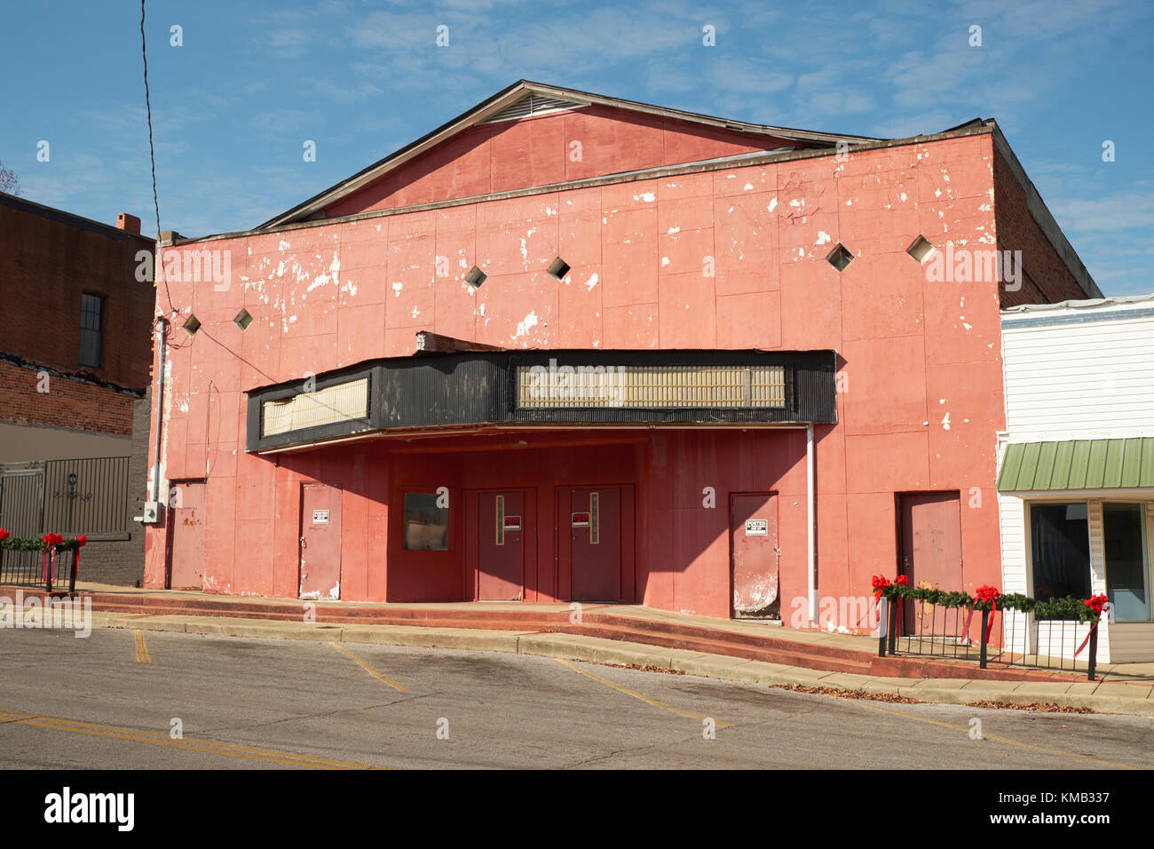 Exterior of an abandoned movie house, theater, theatre in rural community of Clanton Alabama, USA. - Stock Image