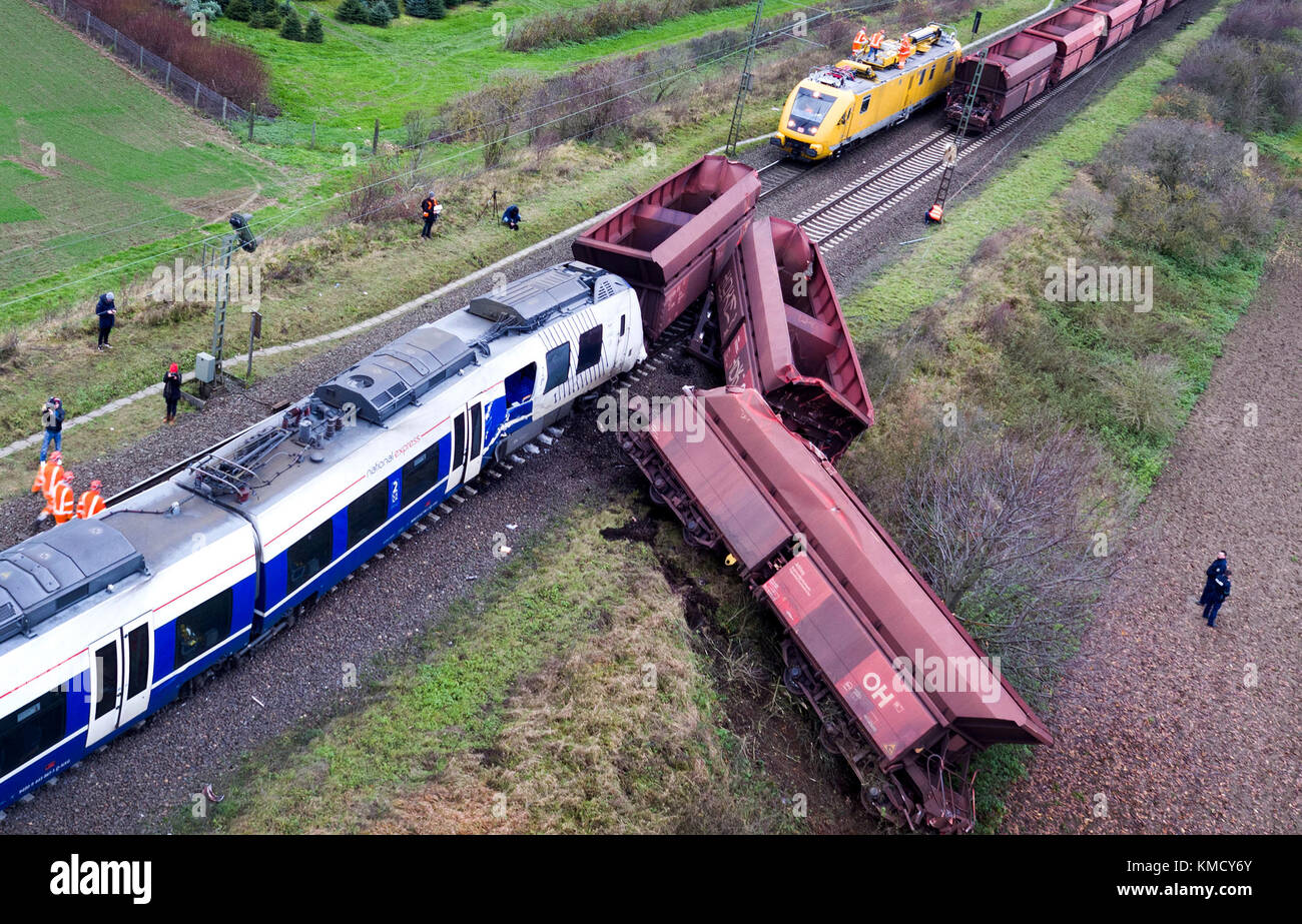 Meerbusch, Germany. 6th Dec, 2017. The derailed trains photographed with a drone at the place of the accident near - Stock Image