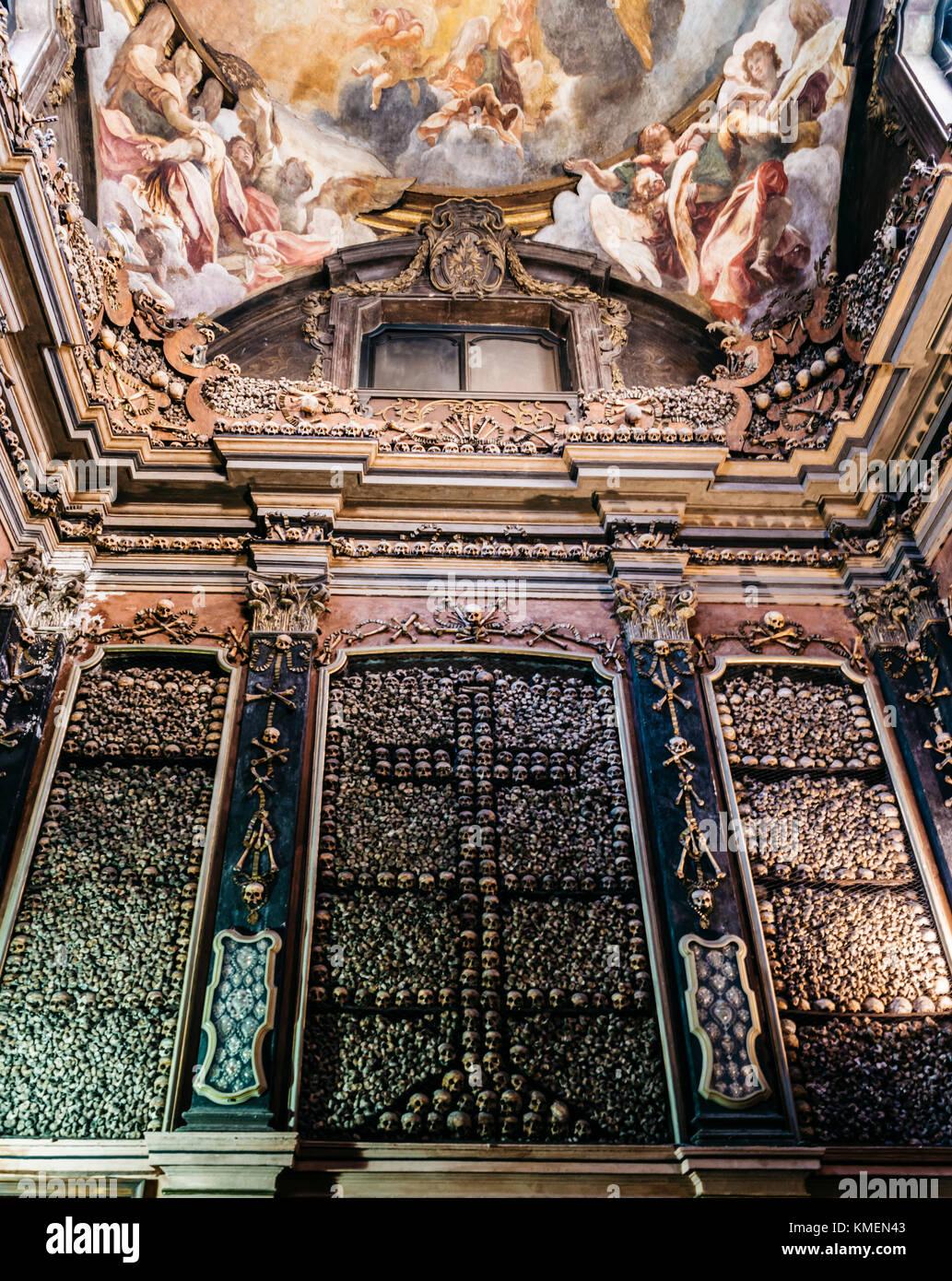 the-evocative-crypt-of-san-bernardino-alle-ossa-milan-italy-KMEN43.jpg