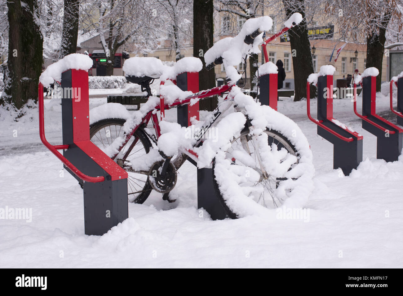The snowy bike smart parking lot. Tartu, Estonia 6th Detsember 2017 - Stock Image