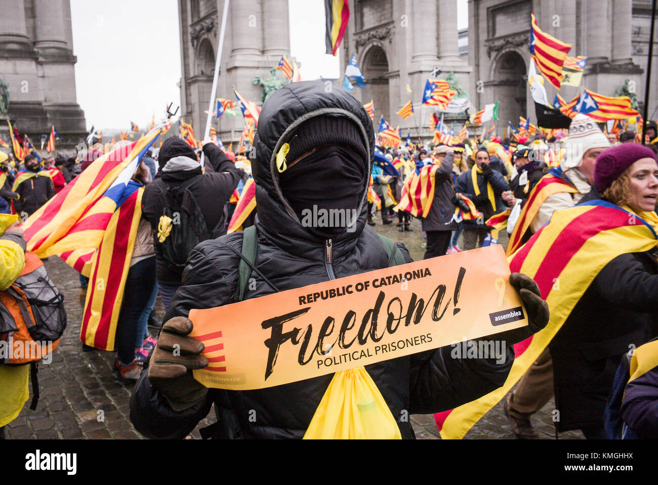 Brussels, Belgium. 07th Dec, 2017. 'Europe: Wake up! Let's stand up for democracy' Catalans hold the - Stock Image