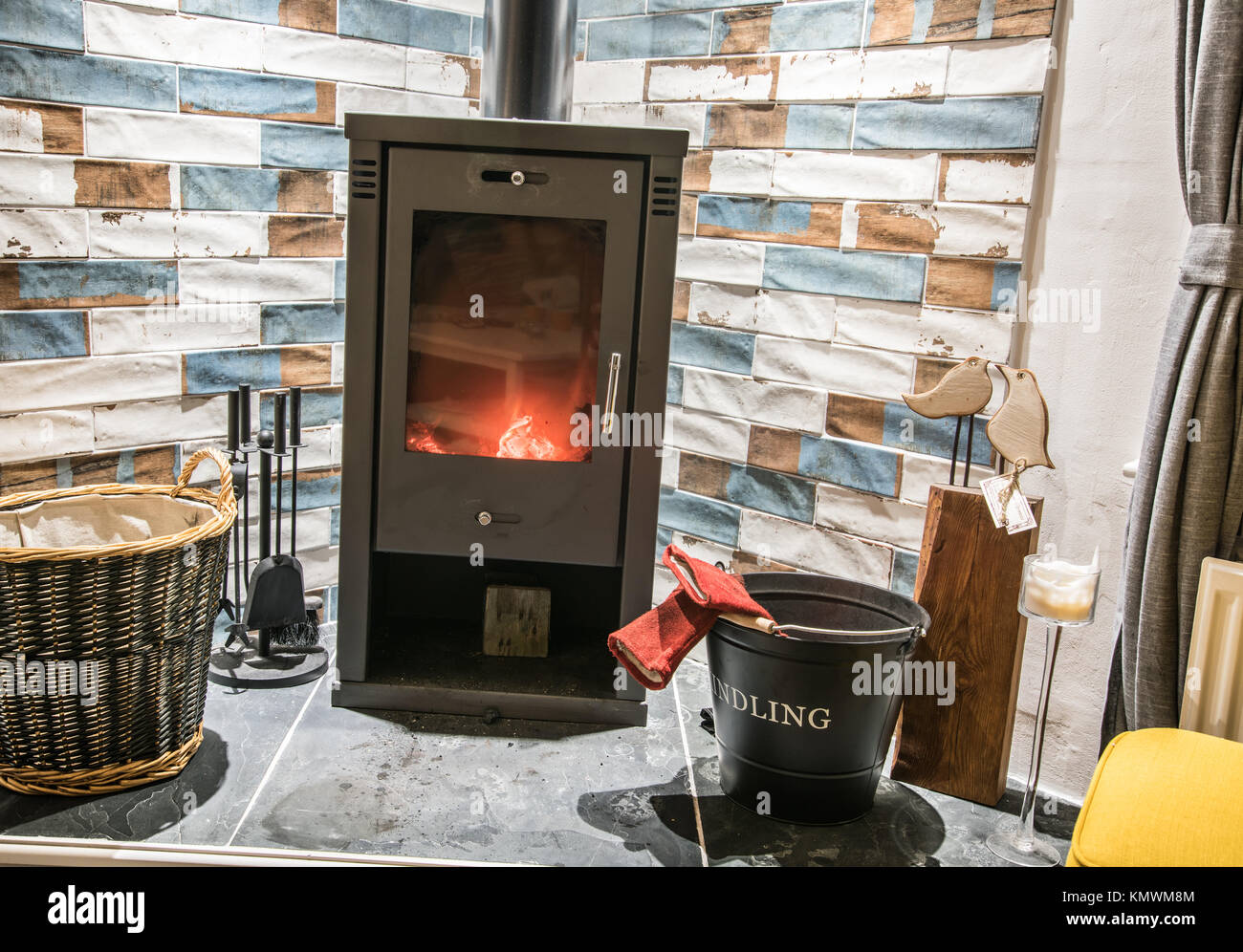 wood burning stoves stock photos wood burning stoves stock images alamy. Black Bedroom Furniture Sets. Home Design Ideas