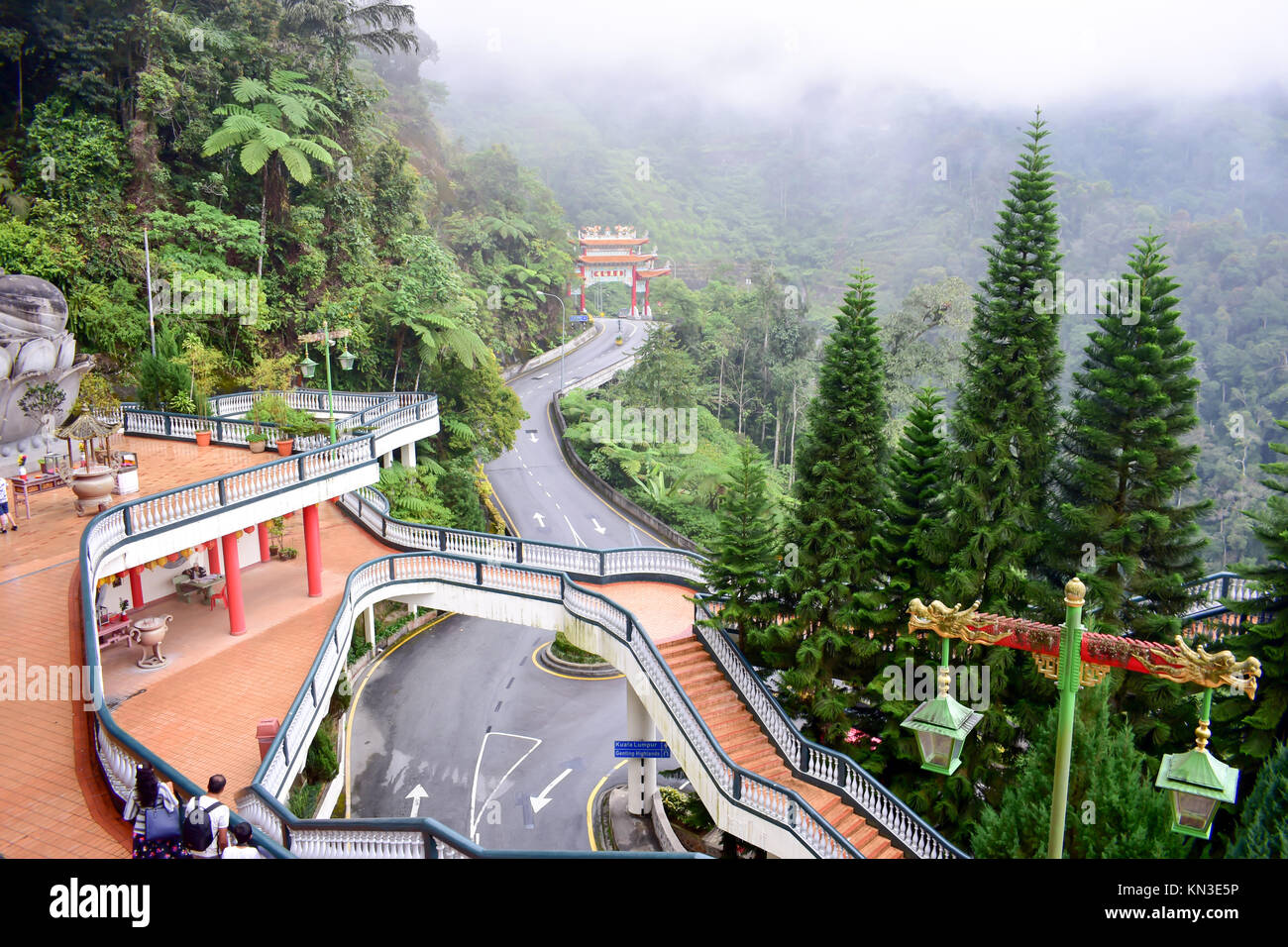 how to go to cameron highland from genting highland