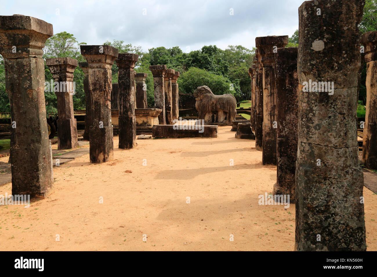 Council Chamber, Island Park, UNESCO World Heritage Site, the ancient city of Polonnaruwa, Sri Lanka, Asia - Stock Image