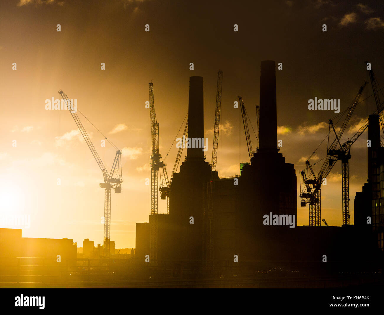 Battersea Power Station at dawn - Stock Image