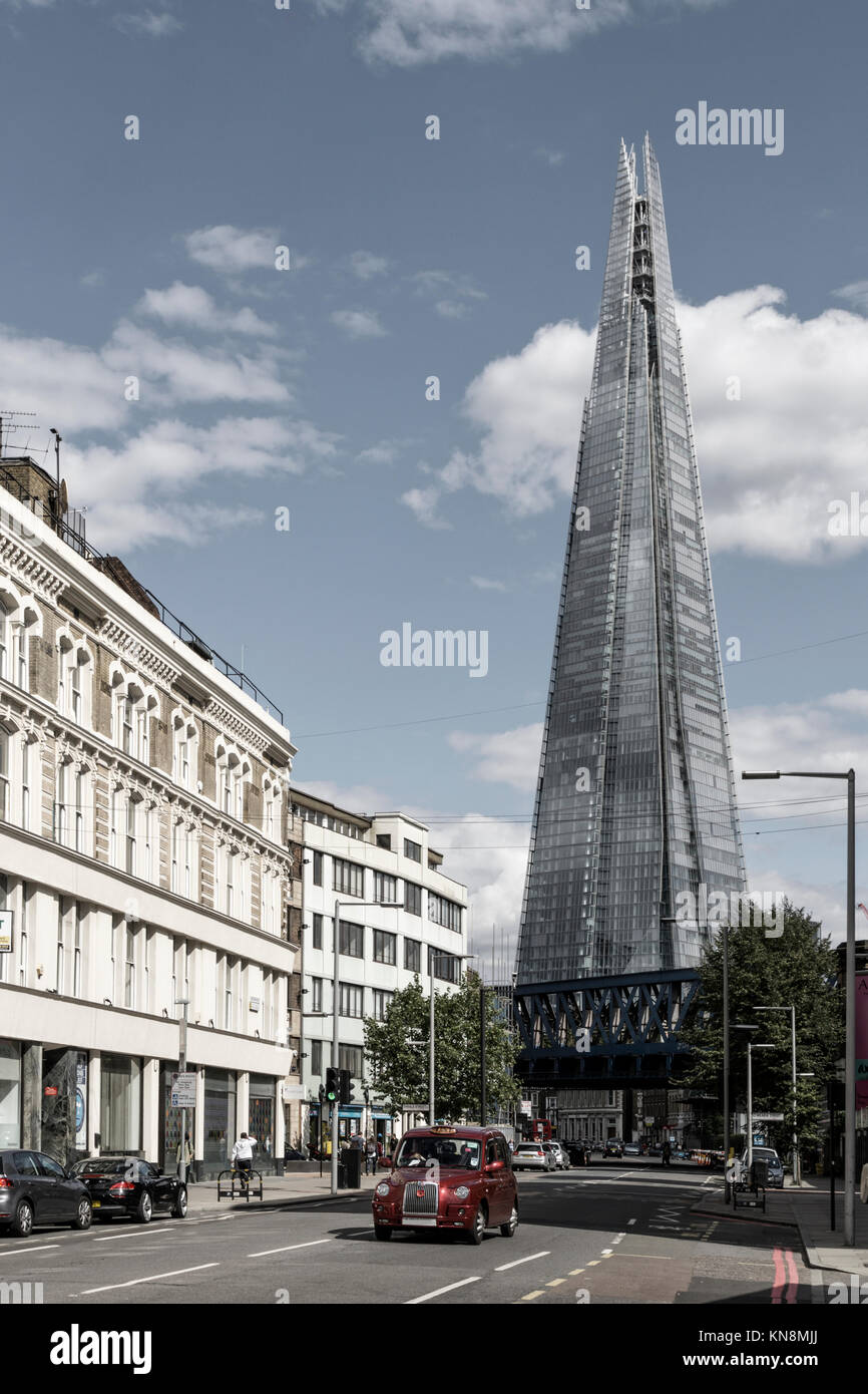 The Shard , Taxi, London, UK - Stock Image