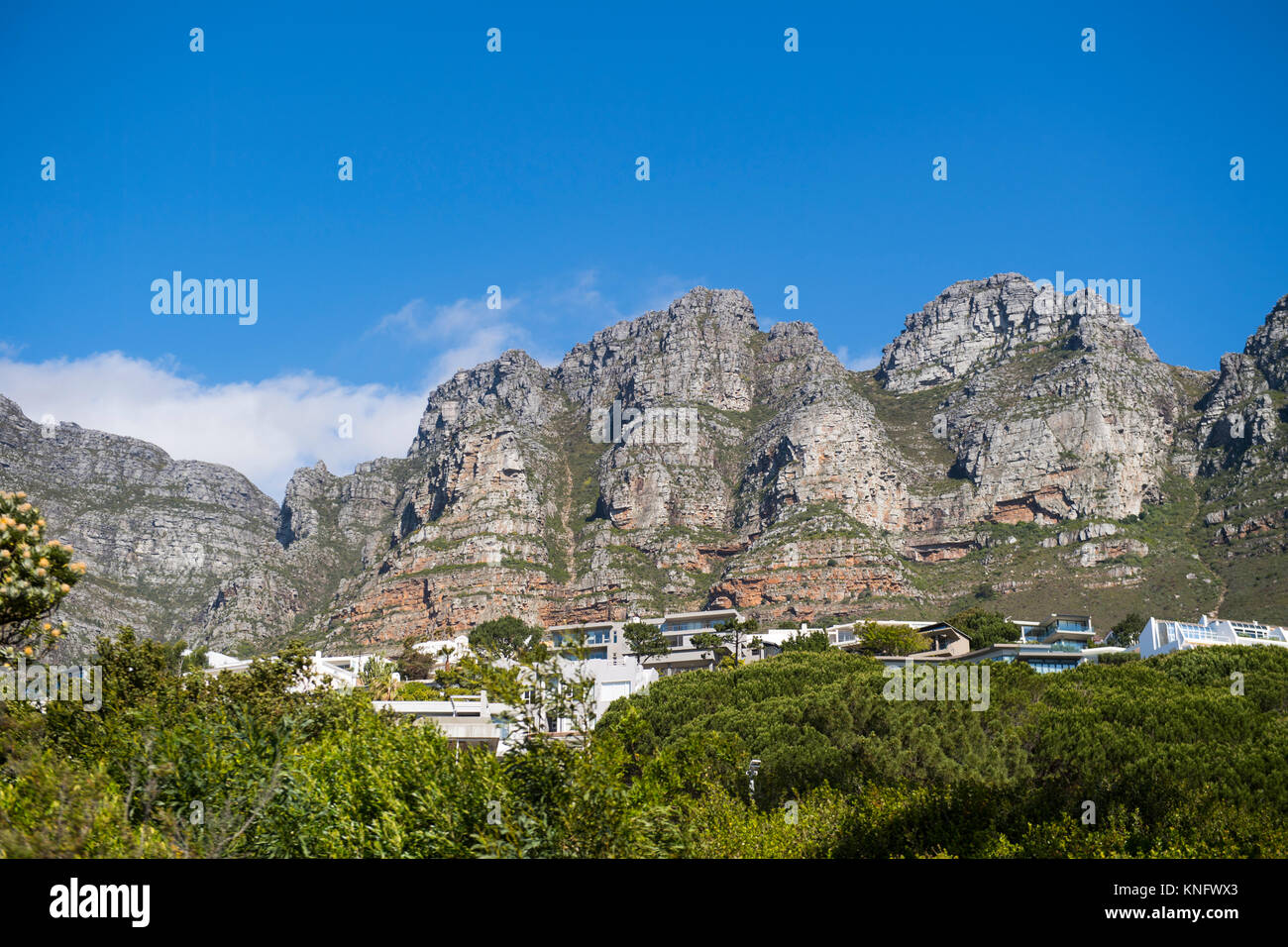 Houses below Table Mountain in Cape Town, South Africa - Stock Image