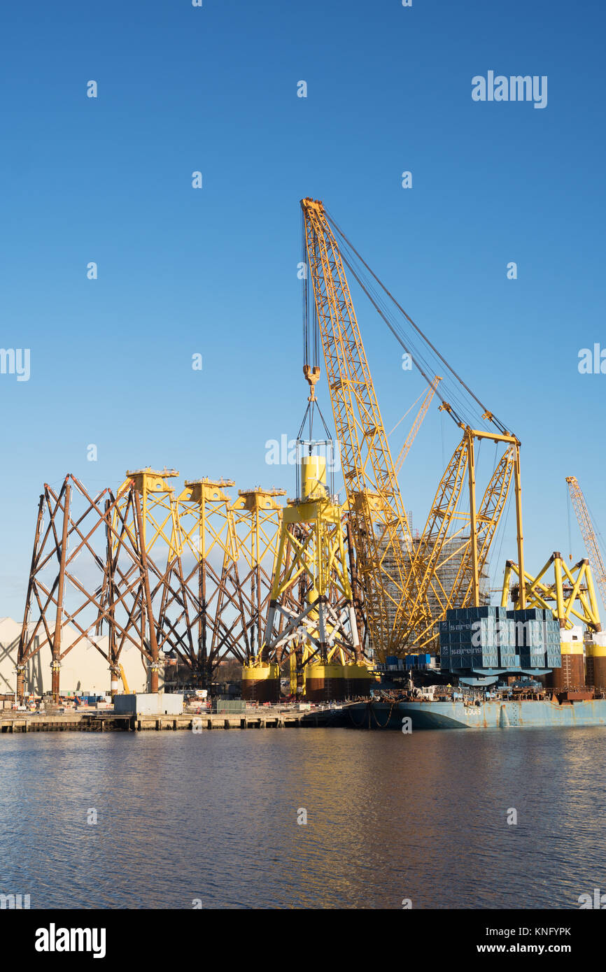 sarens-giant-crane-lifts-offshore-wind-t