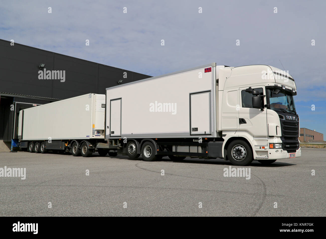 Unload Lorry Stock Photos Amp Unload Lorry Stock Images Alamy