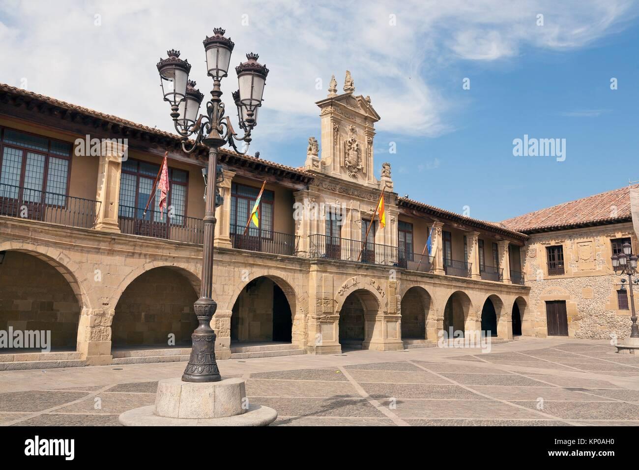 Twon Hall in Mayor square. Santo Domingo de la Zalzada. La Rioja. Spain. - Stock Image