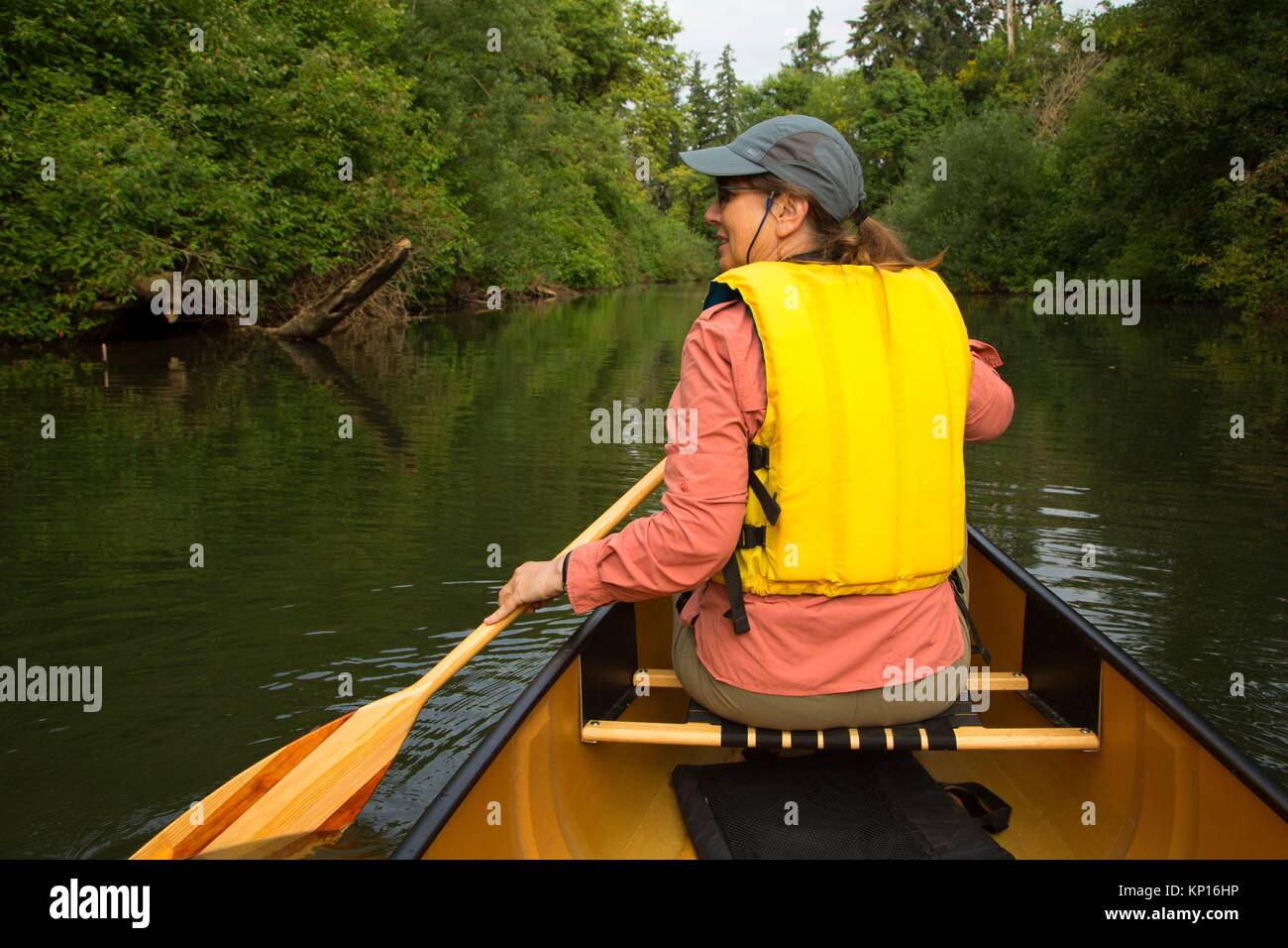 Canoeing the Luckiamute River, Luckiamute Landing State Park, Oregon. - Stock Image
