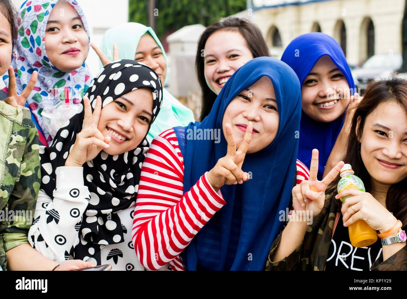 prai muslim girl personals Muslim dating is not always easy – that's why elitesingles is here to help meet marriage-minded single muslims and find your match here.