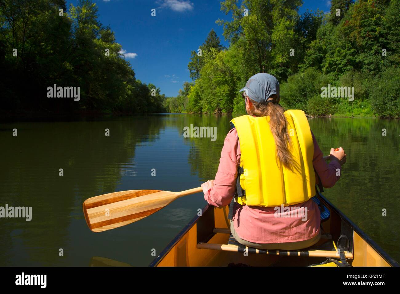 Canoeing the Yamhill River, Dayton Landing County Park, Yamhill County, Oregon. - Stock Image