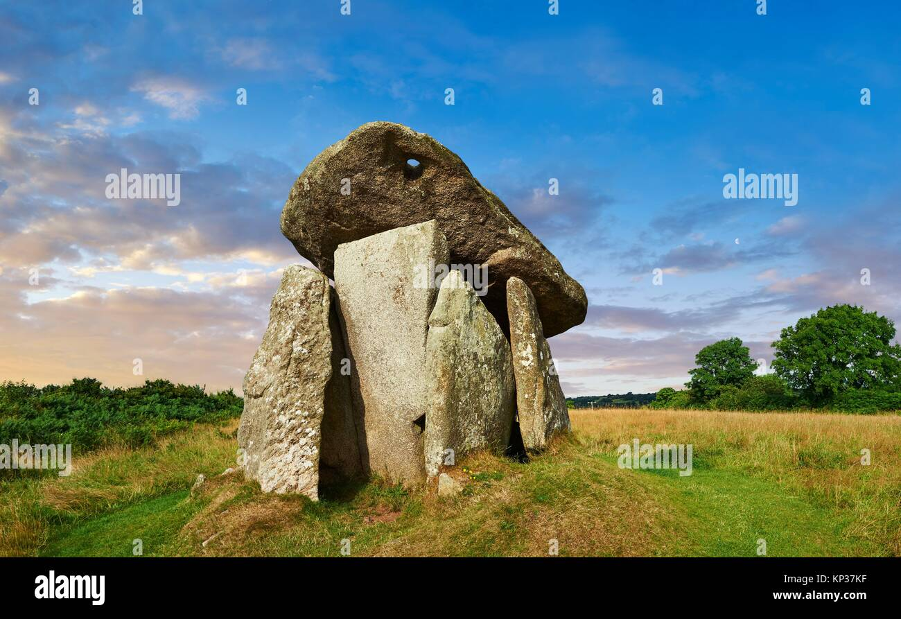 grave of giants stock photos grave of giants stock. Black Bedroom Furniture Sets. Home Design Ideas
