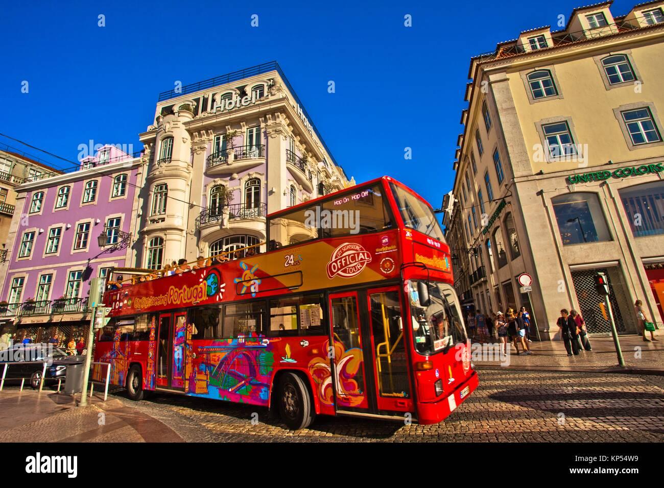 Lisbon sightseeing bus at left internacional design hotel for Designhotel 54