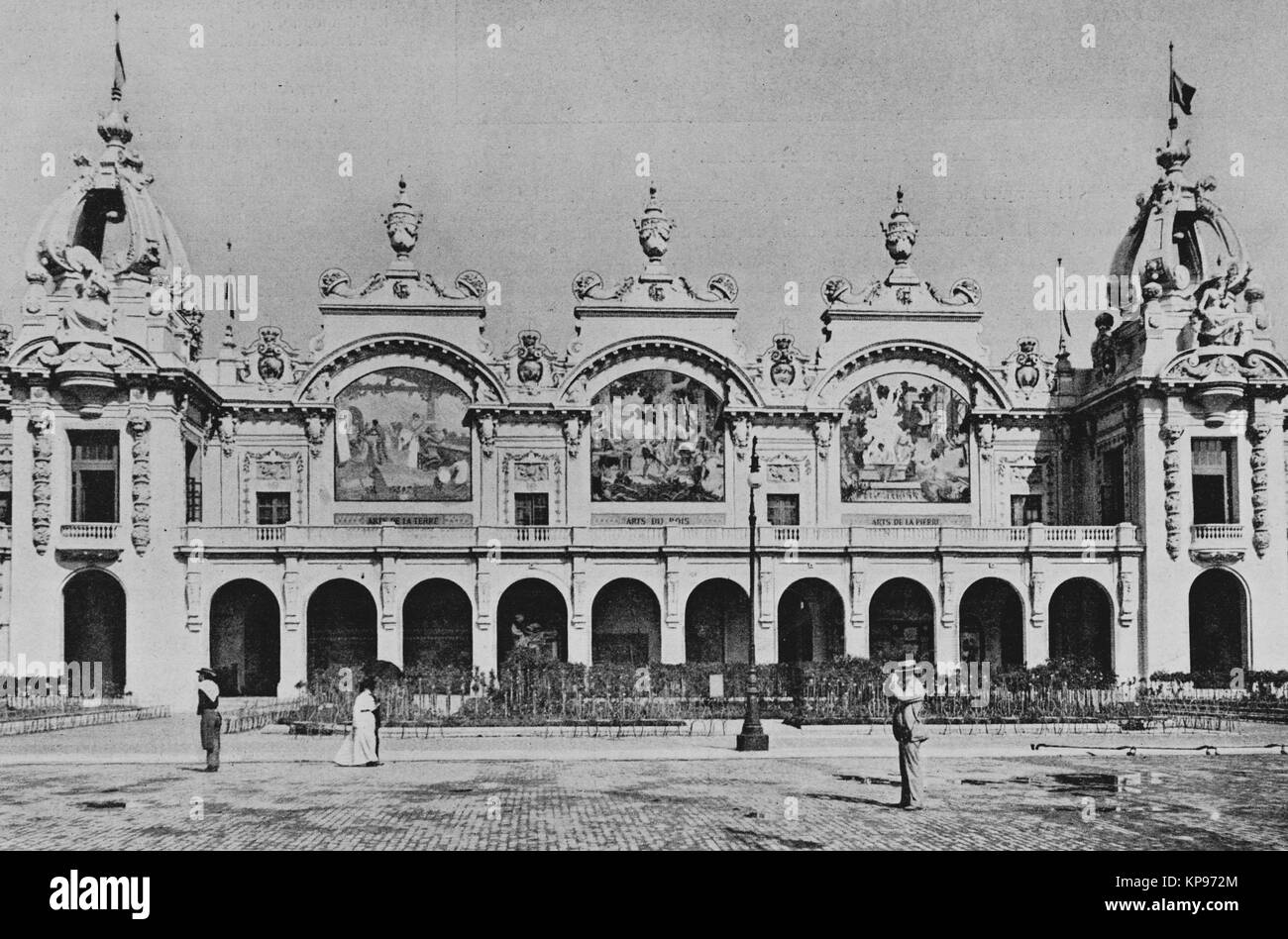 Palais des manufactures nationales, Universal Exhibition 1900 in Paris, Picture from the French weekly newspaper - Stock Image