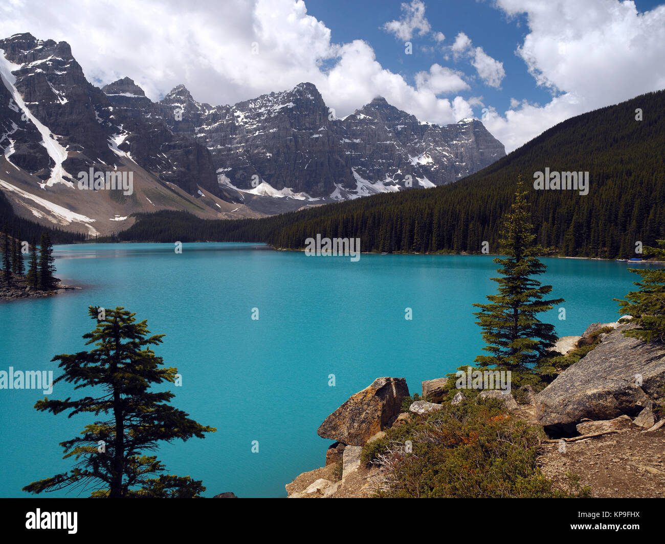 Turquoise waters of Moraine Lake in the Rocky Mountains. Banff National Park in British Columbia, western Canada. - Stock Image