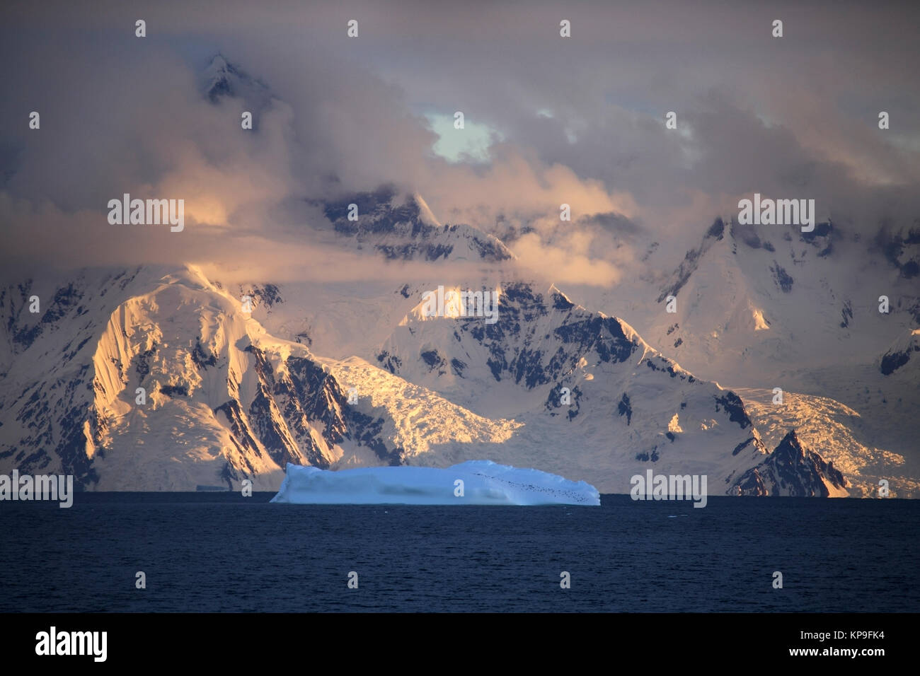 Mountains on the coast of the Antarctic Peninsula in Antarctica. - Stock Image