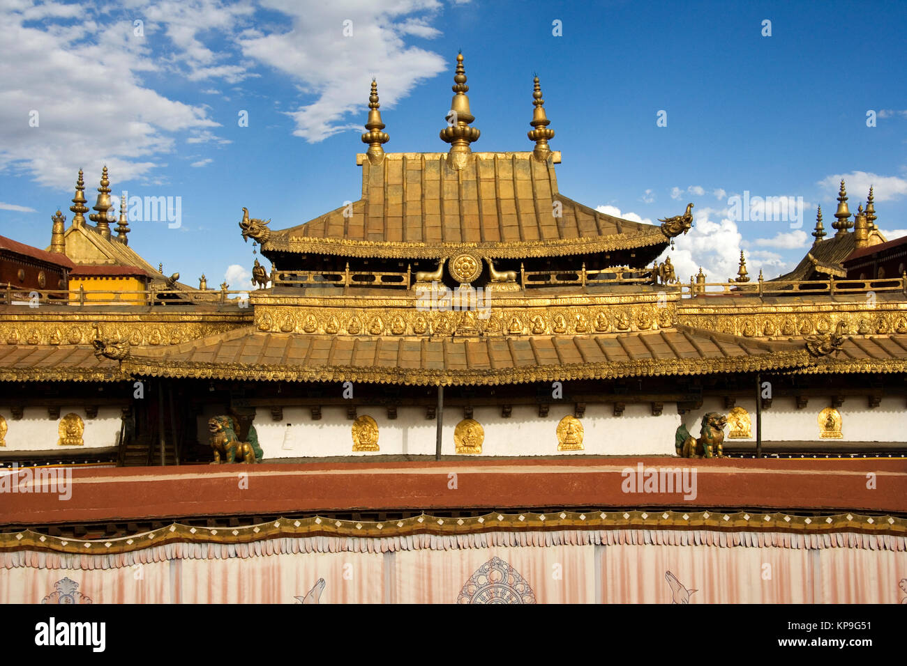 Roof of the Jokhang Monastery in Lhasa, Tibet, in the People's Republic of China. - Stock Image