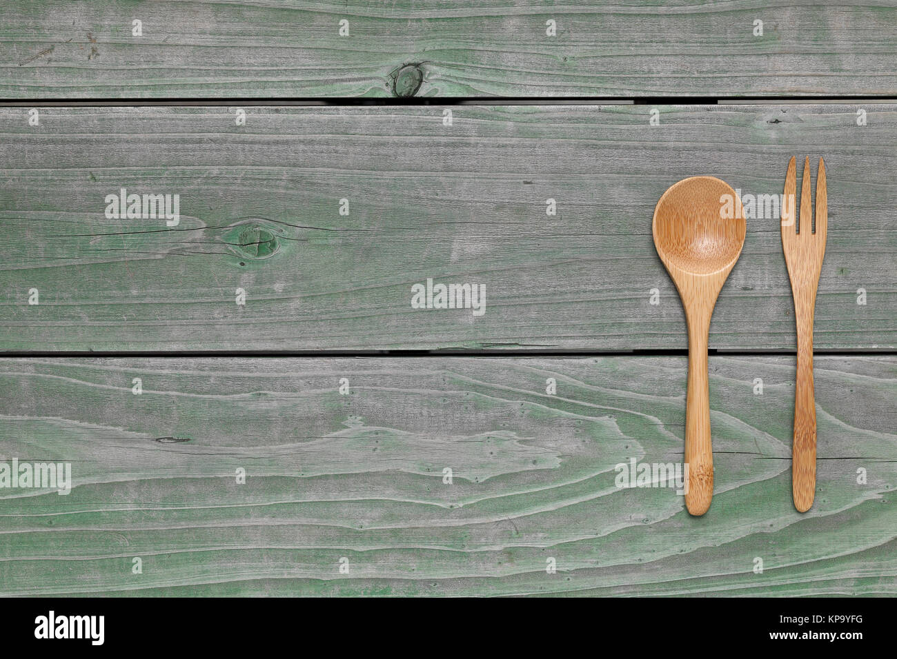 how to clean dirty wooden spoons
