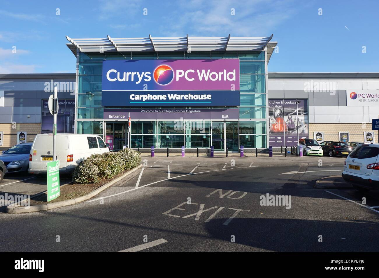 Staples store in uk stock photos staples store in uk stock images alamy - Staples corner storage ...