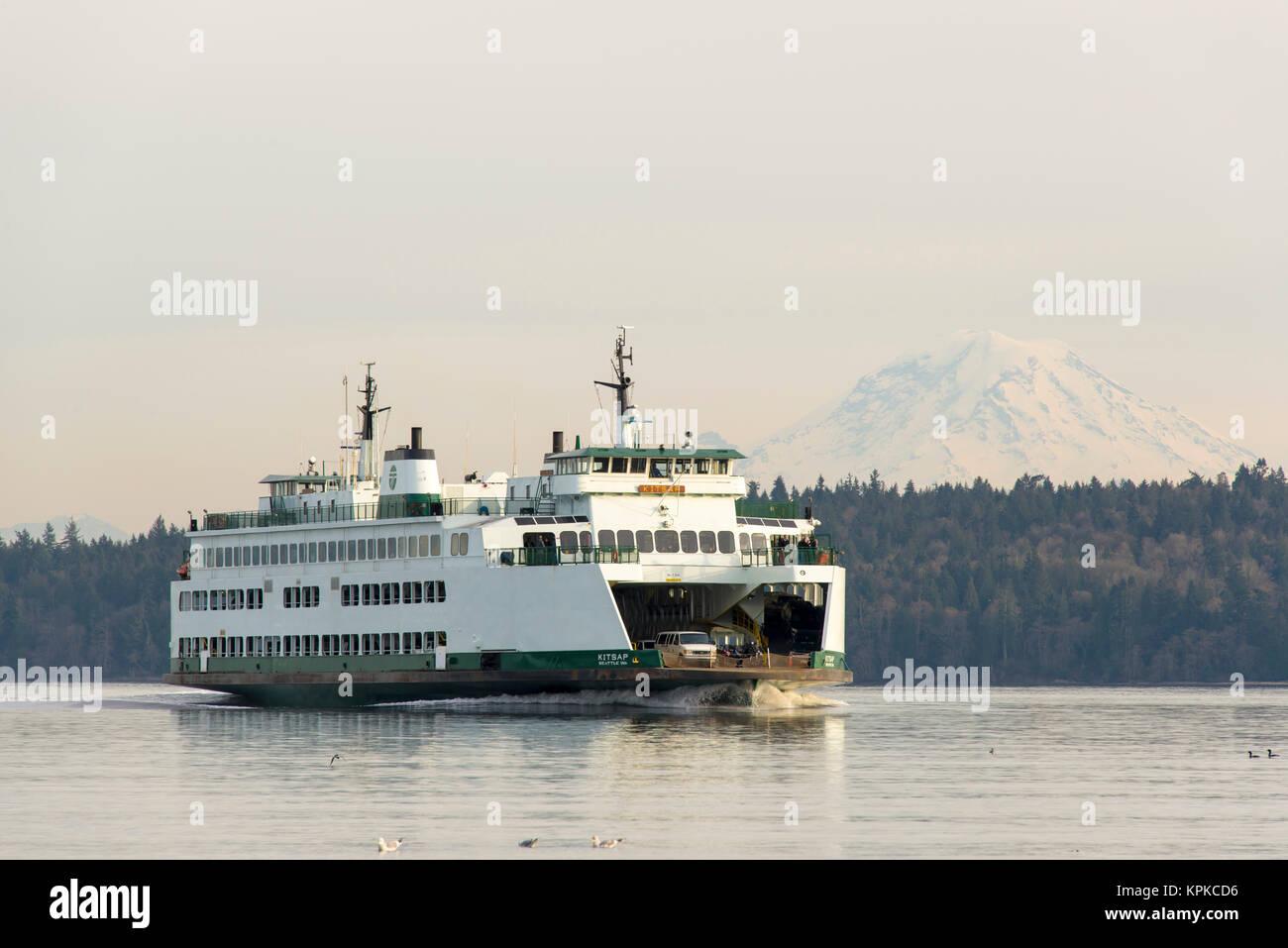 Ferry From Bremerton To Bainbridge Island