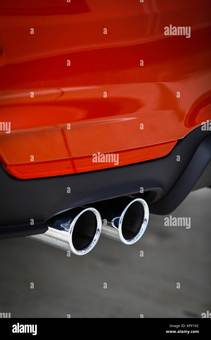 Car Shows White Smoke When Idling With A C On