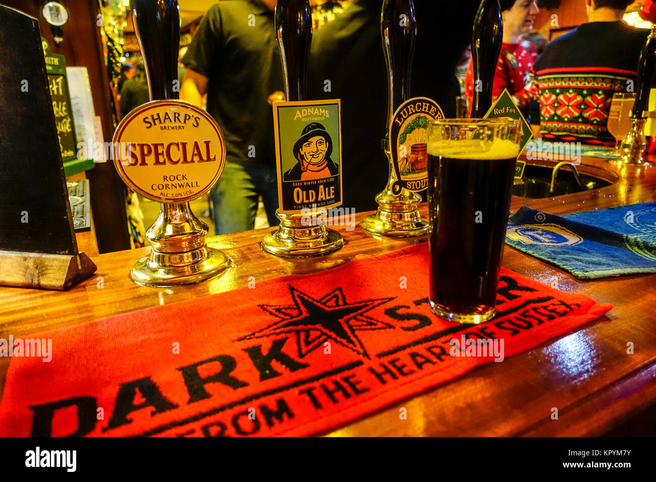 beer-pumps-a-glass-of-stout-at-the-railw