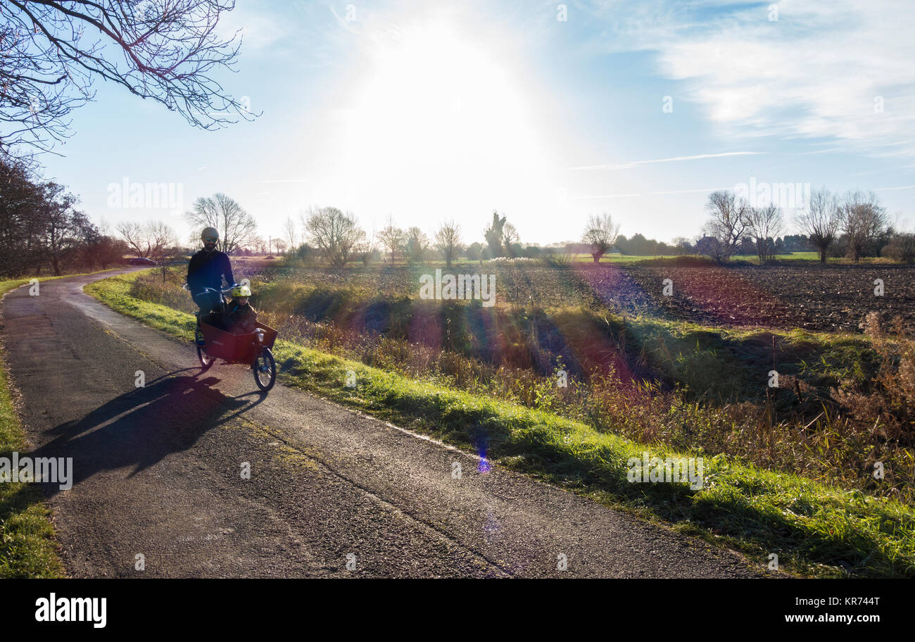 rural-lane-with-suns-rays-KR744T.jpg