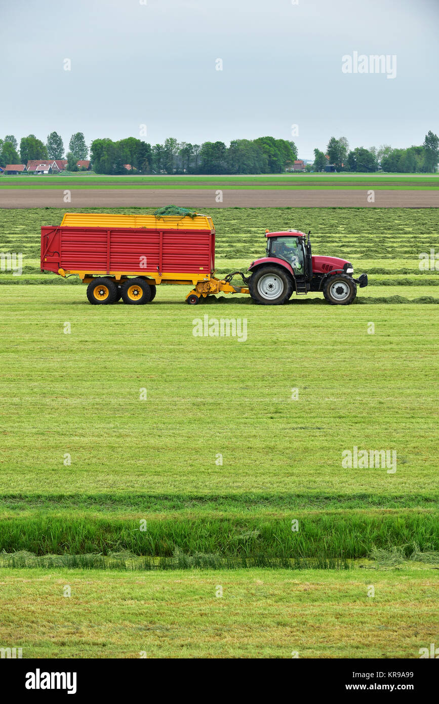 Tractor Pulled Wagon : Hay wagon stock photos images alamy