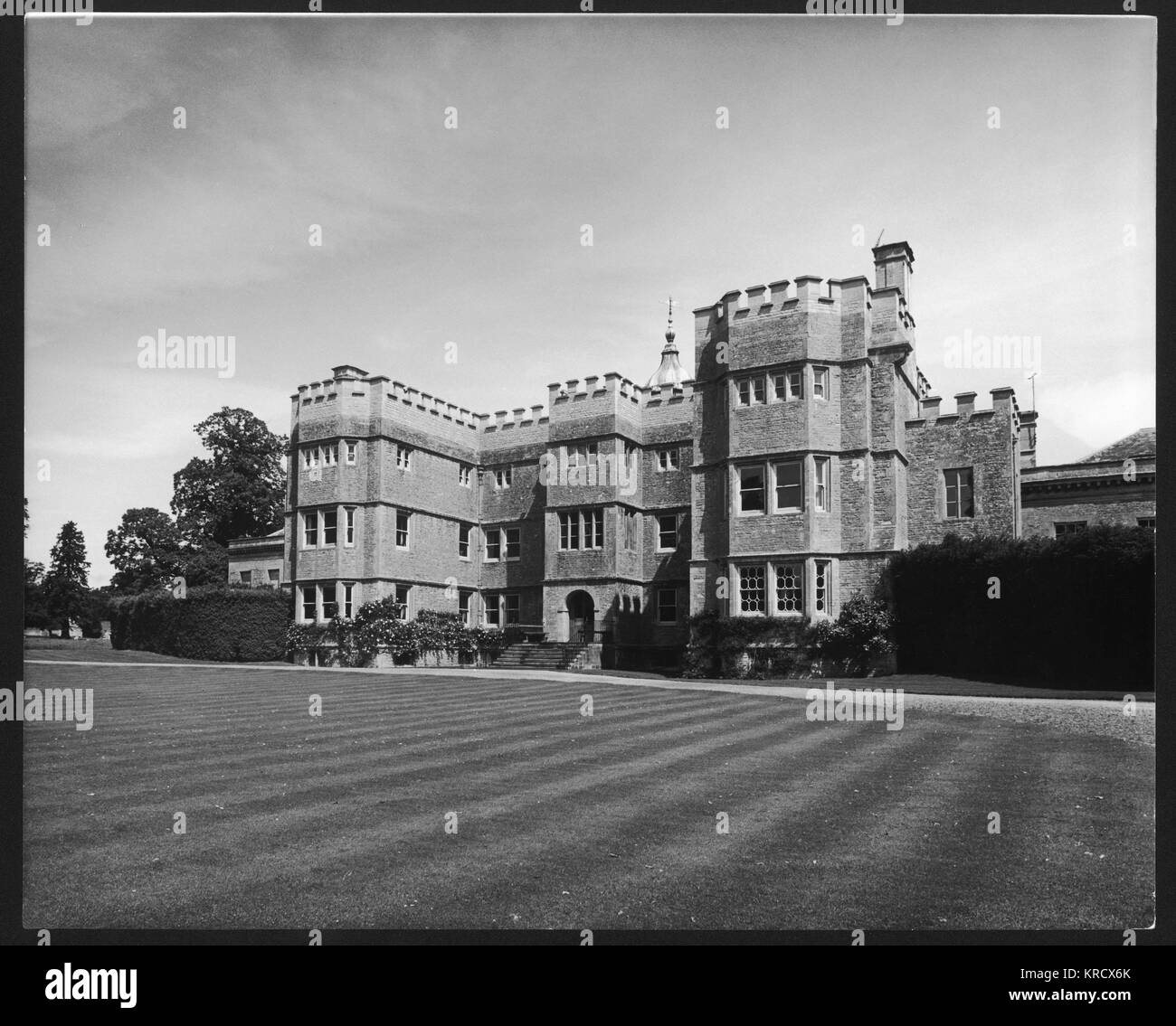 Rousham Park House in Steeple  Aston, Oxfordshire was  remodelled by William Kent in  1738. Its gardens are the - Stock Image