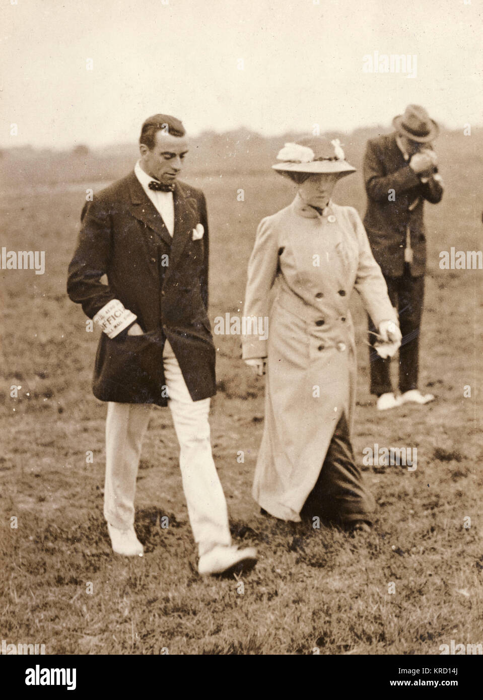 The aviator Claude Grahame-White (1879-1959) with Lady Northcliffe at Hendon before the Great Air Race (probably - Stock Image