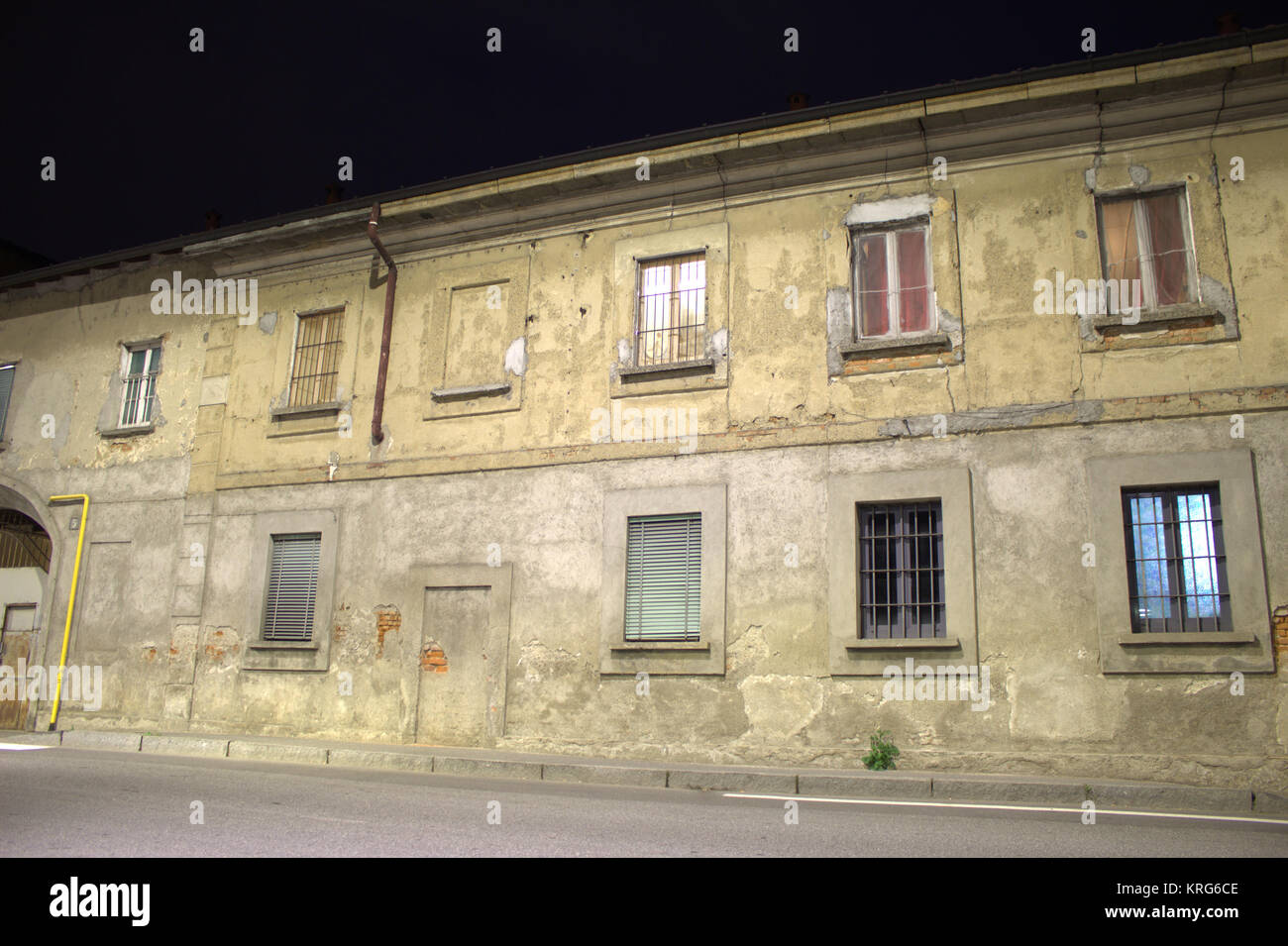 old-houses-in-the-figino-district-of-mil