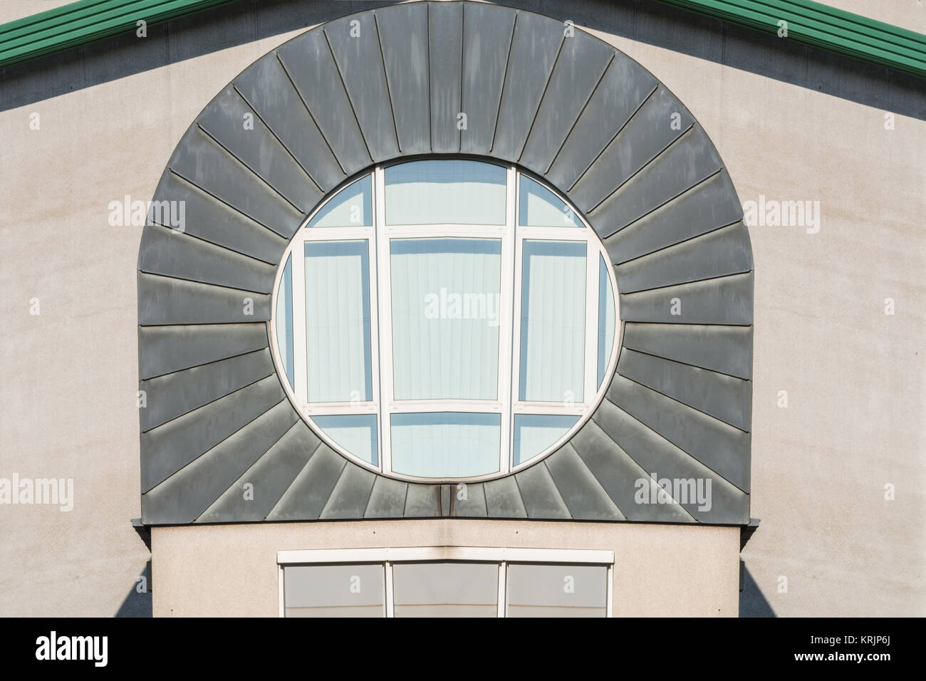 Dacheindeckung stock photos dacheindeckung stock images for Moderne fenster