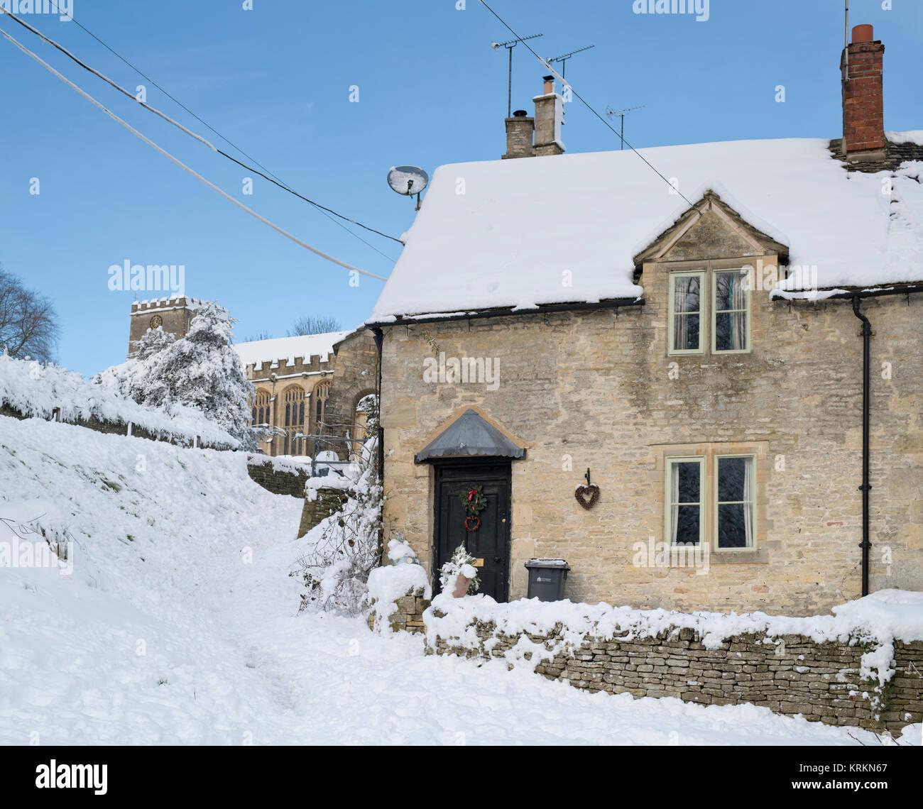 Snow England Cottage Christmas Stock Photos Amp Snow England