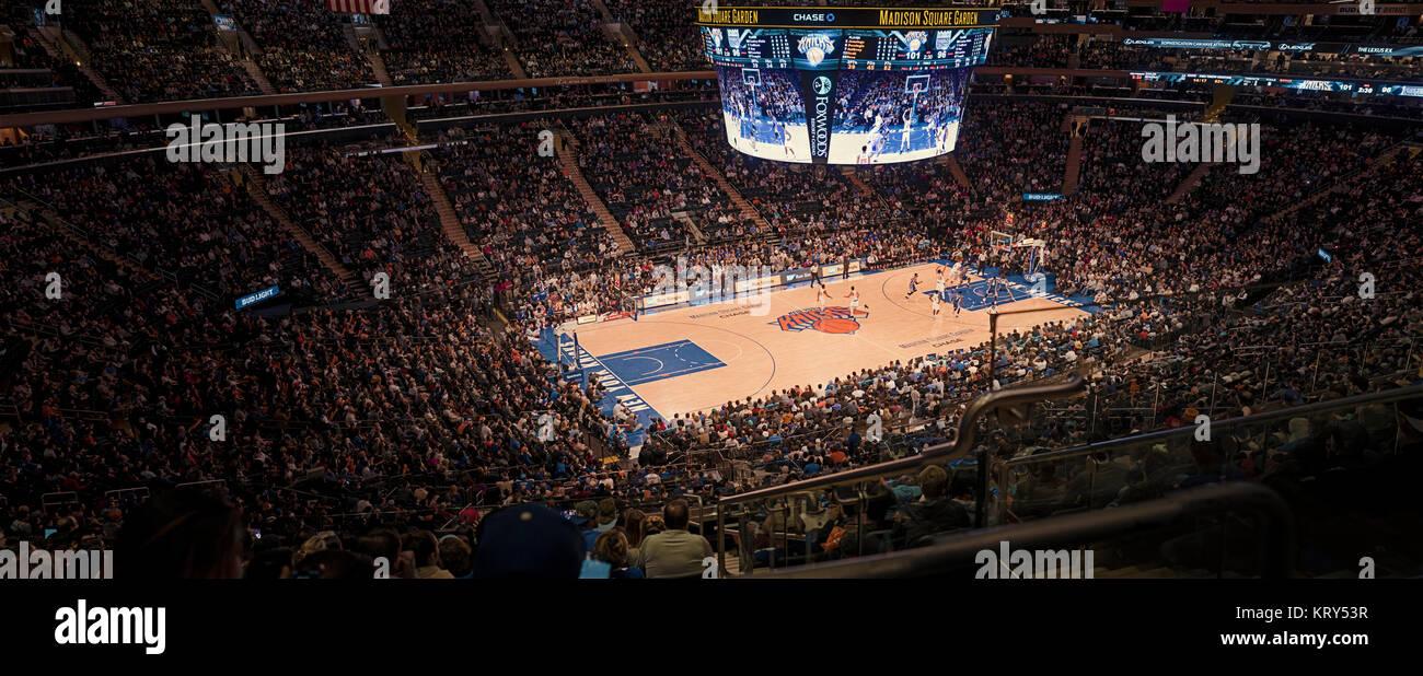 Watching Basketball Game Stock Photos Watching Basketball Game Stock Images Alamy