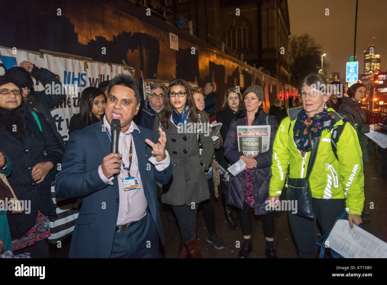 Consultant surgeon Shafi Ahmed speaks at the Christmas protest outside old Royal London Hospital supporting Junior - Stock Image