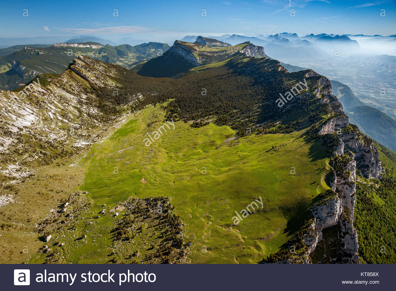 view-from-above-the-rserve-naturelle-des